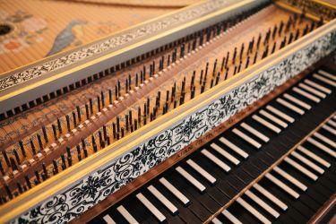 <em>love:</em> Handel